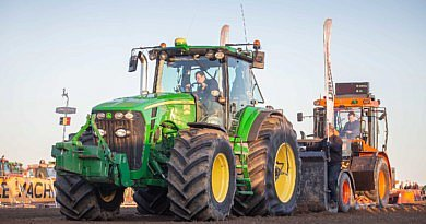 Mon tracteur: le John Deere 8330 de Mathias Cattebeke